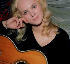 jackie-deshannon-early-with-guitar-small